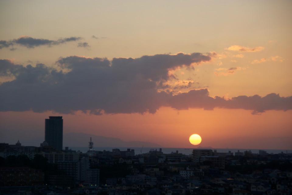 夕日が落ちていく