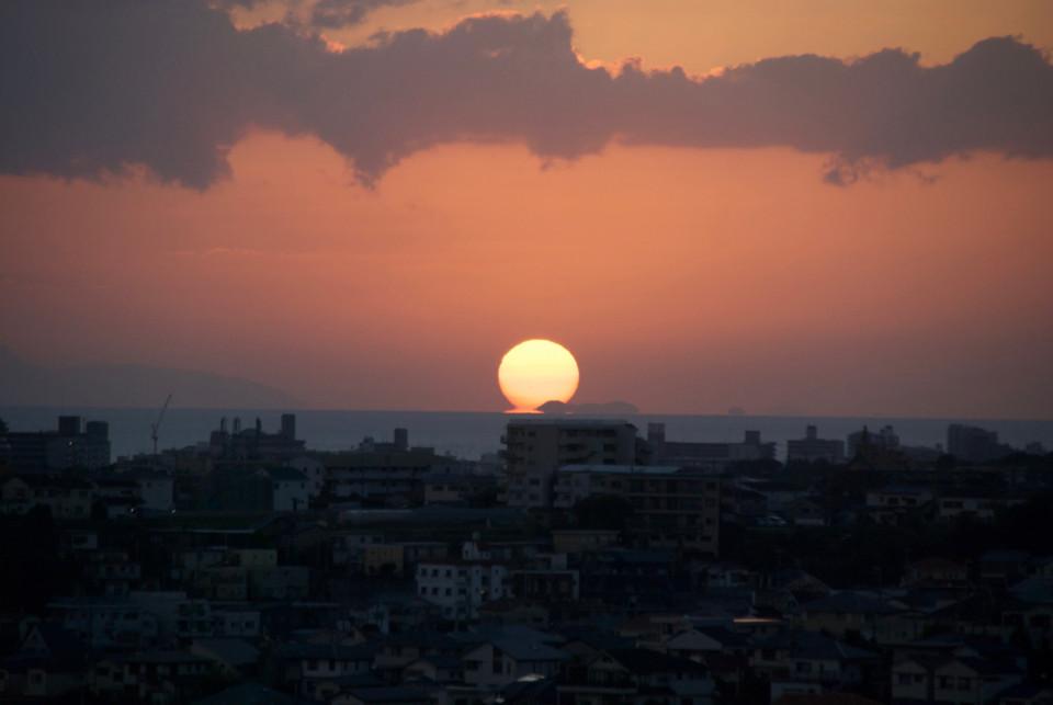 大きな夕日を見るのは初めてかもしれない