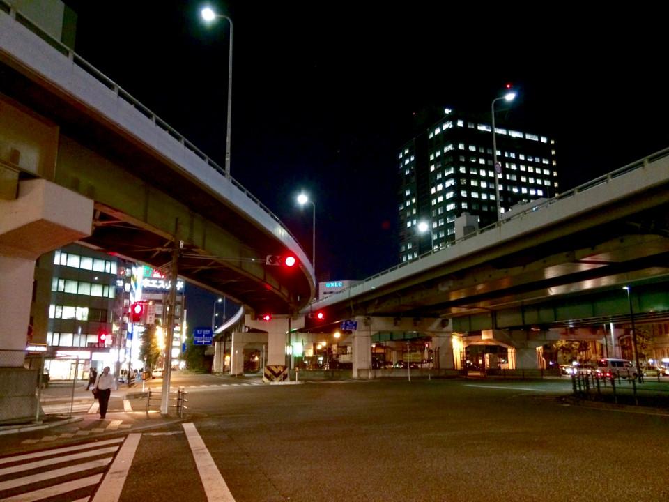 新大阪近くの交差点