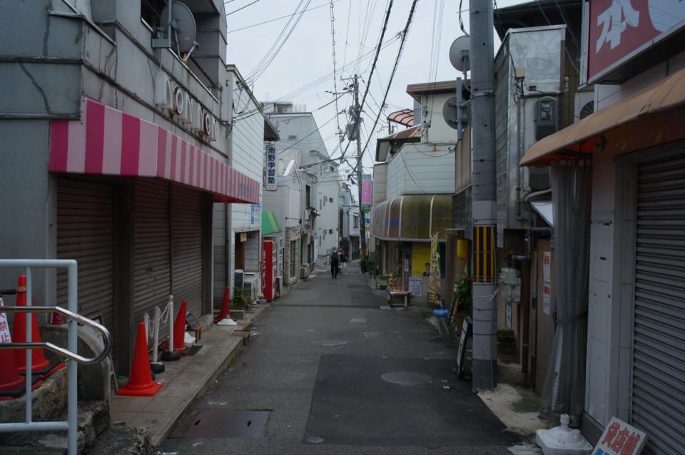 駅前小さな商店街