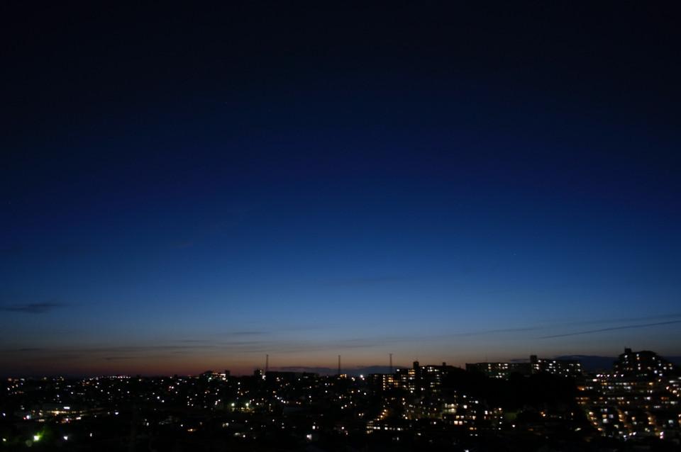 日が落ちてから数分後の空
