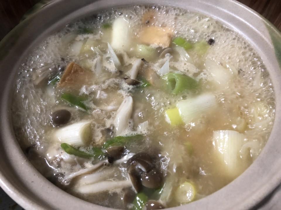 土鍋で味噌汁を作るときはたくさん作るのがコツ
