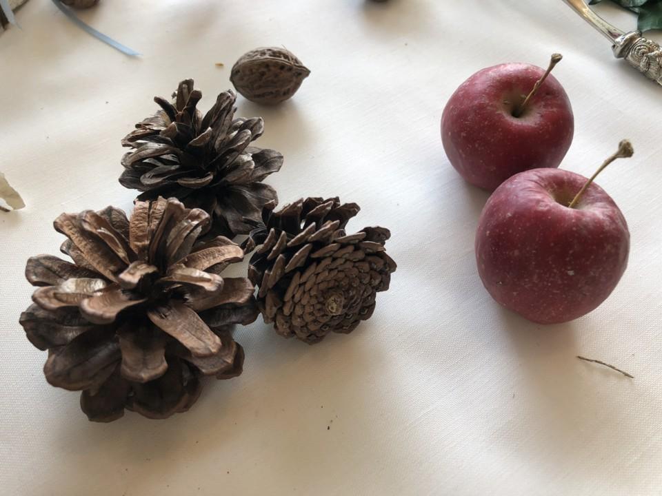 クリスマス飾りのリンゴ