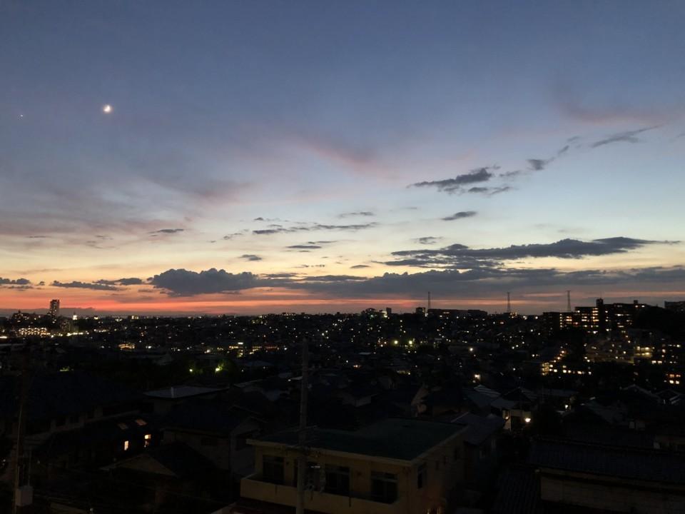 明るい夕焼け