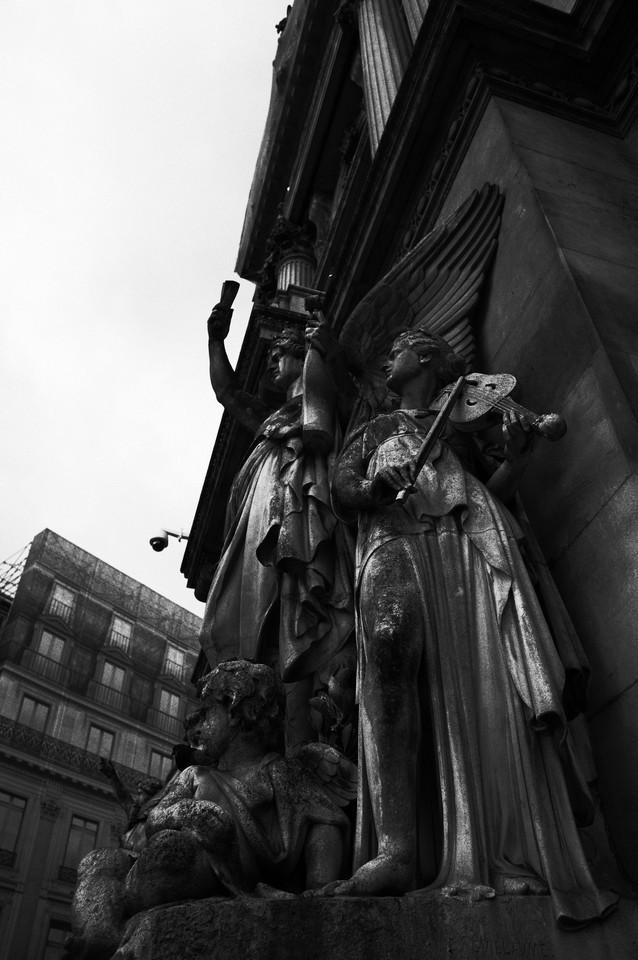 オペラ座の像