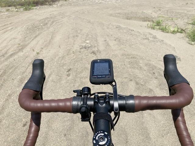 ロードバイクでグラベルを走る