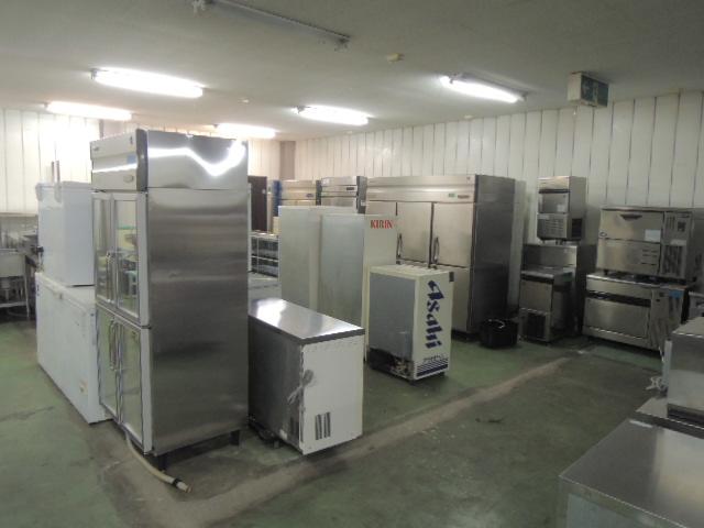中古厨房機器の倉庫イメージ