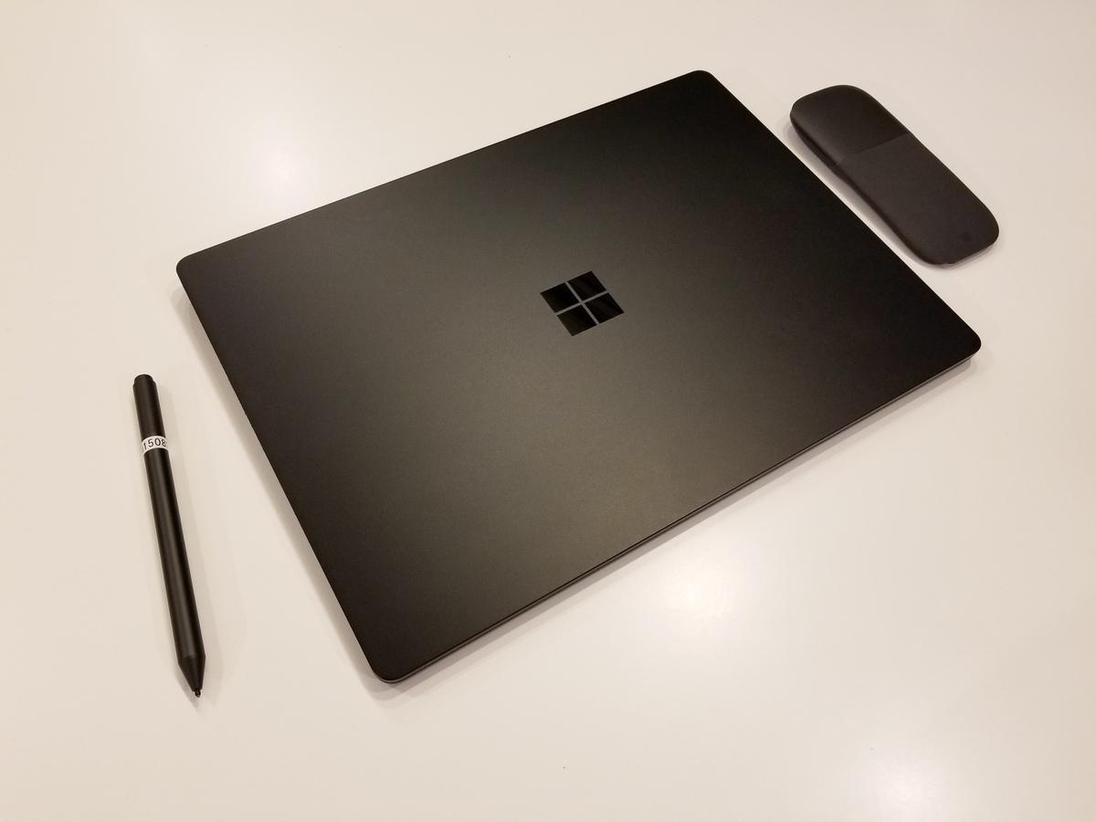 Surface Laptop 2と周辺機器