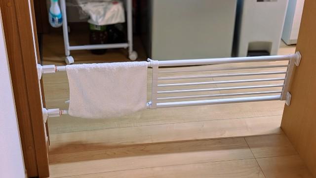 突っ張り棒(柵)による子供侵入防止 白 フラット