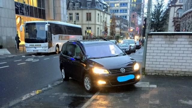 フランクフルトのホテル前まで迎えに来てくれた個人の車の写真