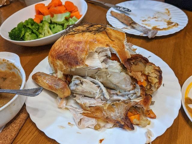 スタッフドチキンの食べている最終の写真