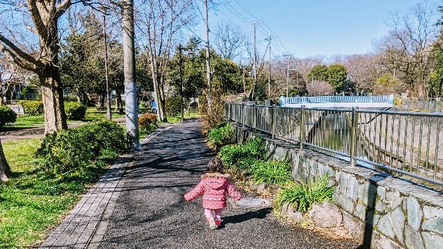 1歳半の子供と散歩