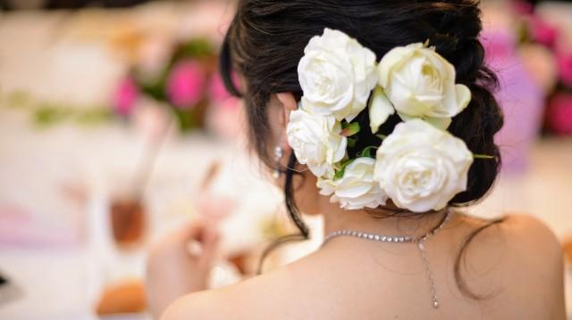 結婚式の花嫁の後姿の写真syu_rei