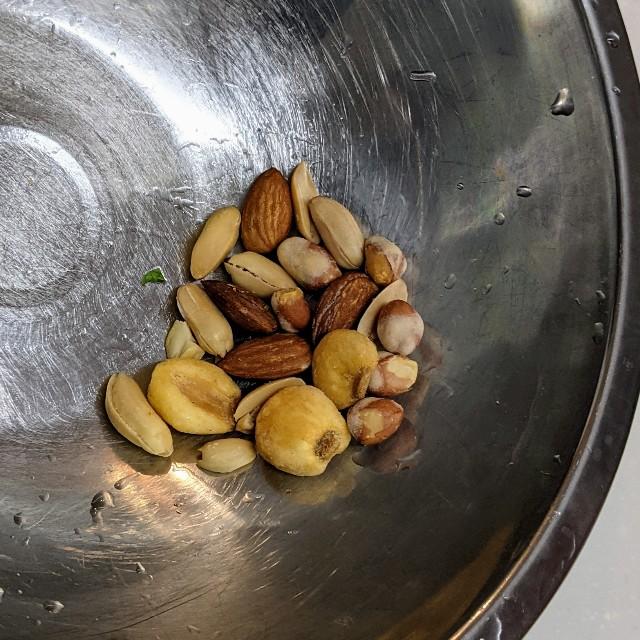 10gのミックスナッツの写真