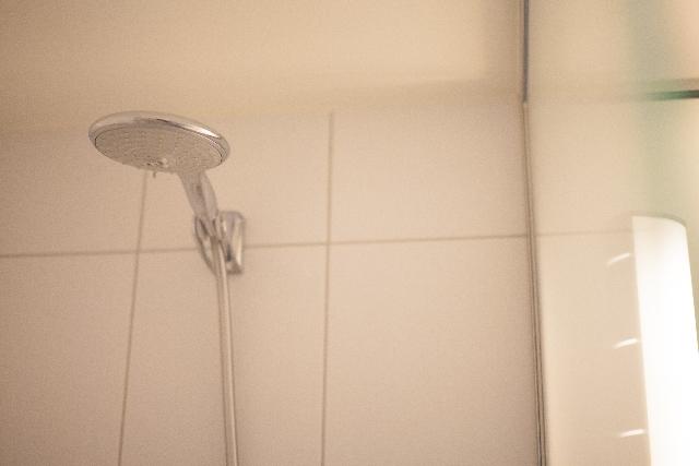 シャワーヘッドの掃除のしかた。シャワーヘッドの黒い汚れをとるよ!