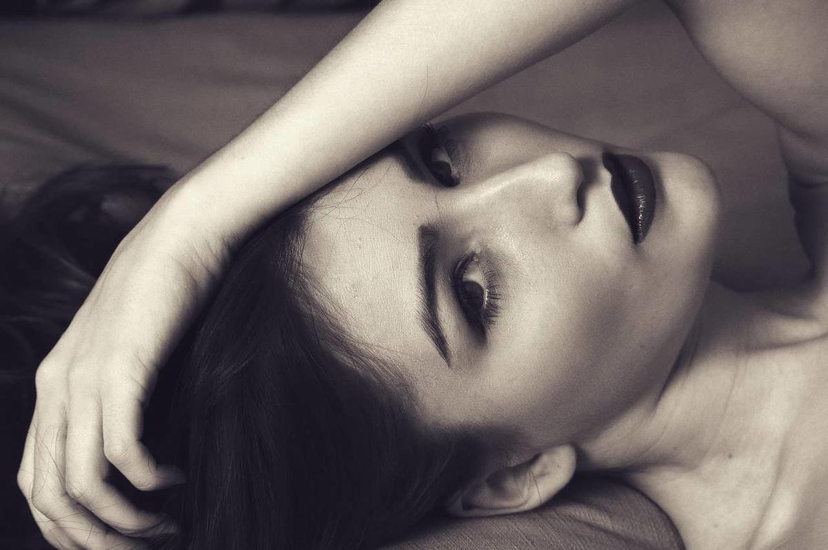 美人と目が合うのは偶然ではなくてちゃんと理由がある!