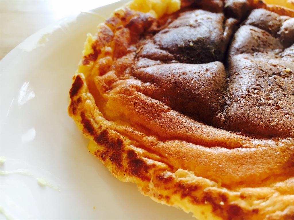 レアチーズケーキを混ぜたパンケーキ