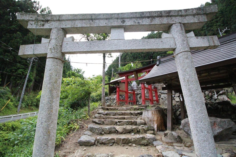 飯能市南 権五郎神社の写真1