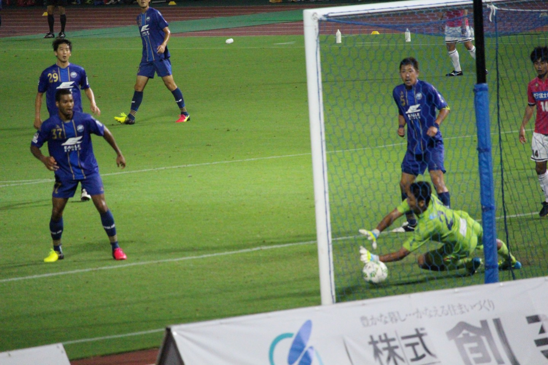 J2 第23節 町田ゼルビア VS ジェフ千葉 オナイウ選手のゴールシーンの写真