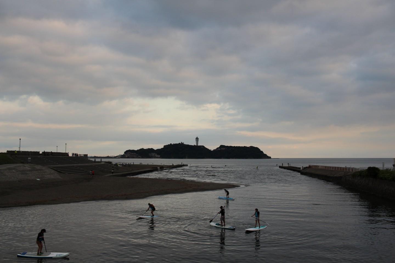引地川からの江ノ島の写真