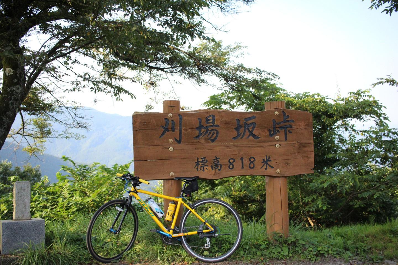 刈場坂峠にてフジ パレットの写真