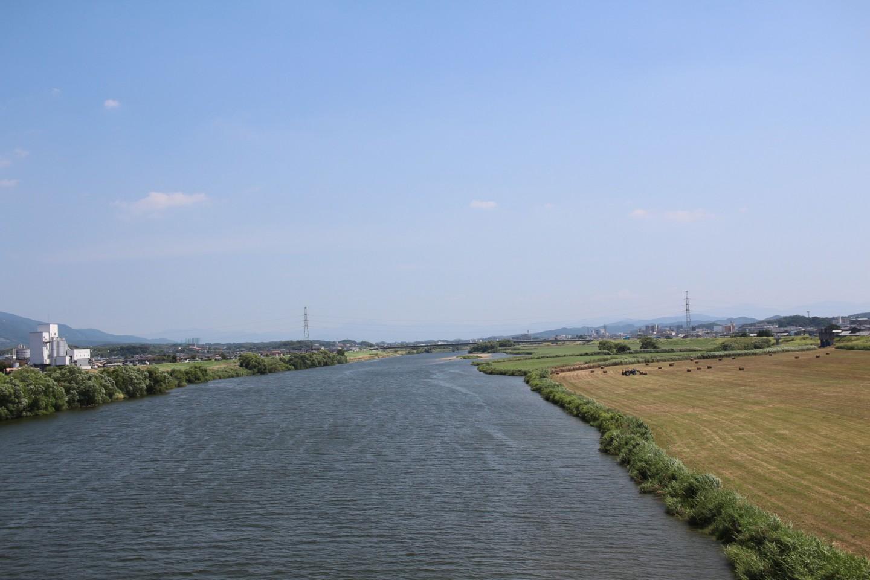 福岡県直方市 中島橋からの遠賀川の写真