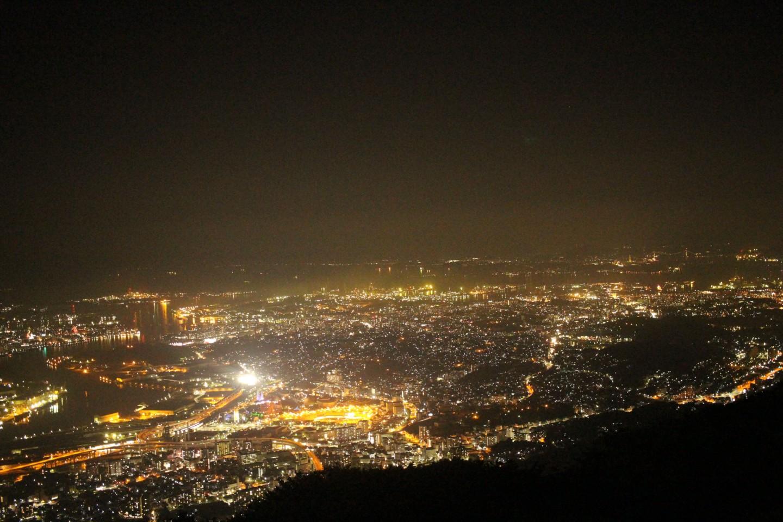 福岡県北九州市 皿倉山の夜景の写真1