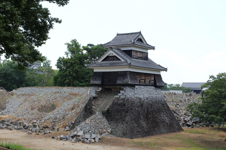 震災4ヶ月後の熊本城の写真4