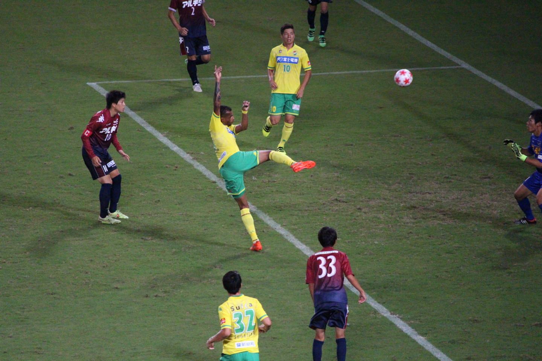 天皇杯1回戦 ジェフ千葉 VS 北海道教育大学岩見沢校 エウトンの2点目の写真