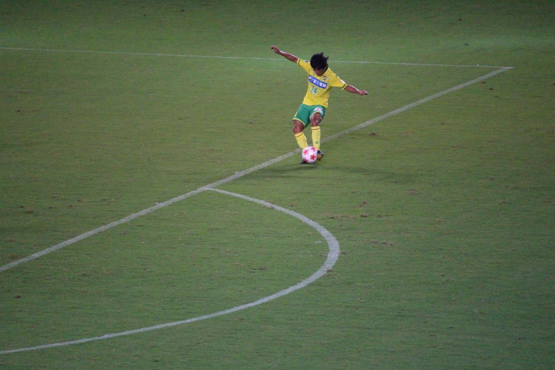 天皇杯 2回戦 千葉 VS 金沢 町田のシュートの写真