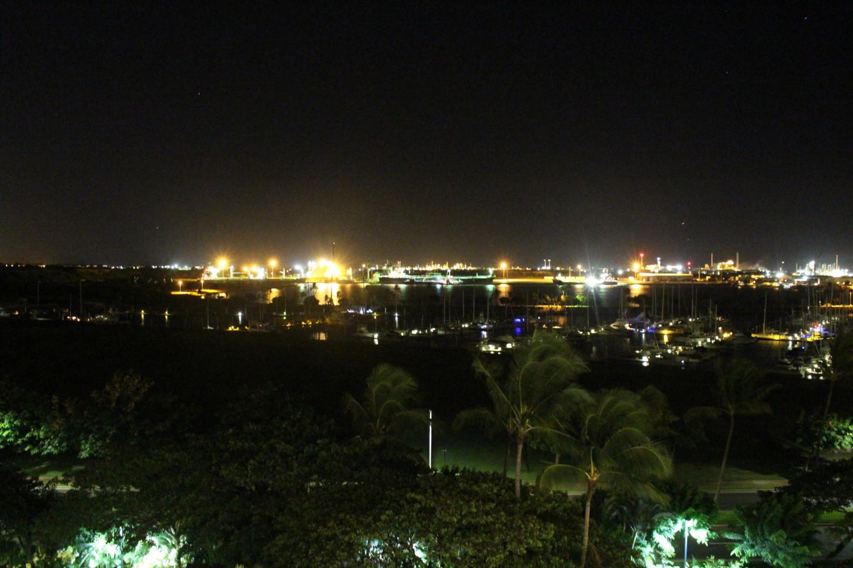 コオリナマリーナの夜景の写真