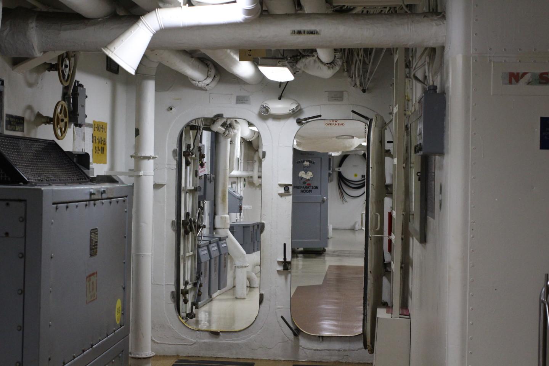 戦艦ミズーリ内部の写真