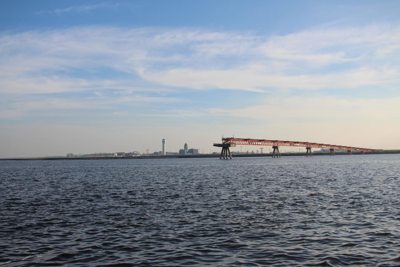 城南島海浜公園から見える羽田空港の写真