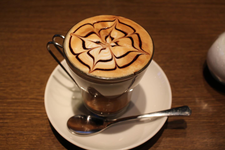 聖蹟桜ヶ丘のcafe GARDENのカフェモカの写真