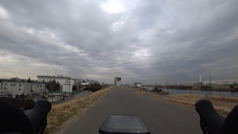荒川サイクリングロード 荒川運動公園付近