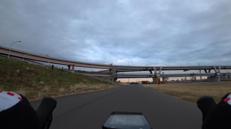 荒川サイクリングロード 堀切ジャンクション付近