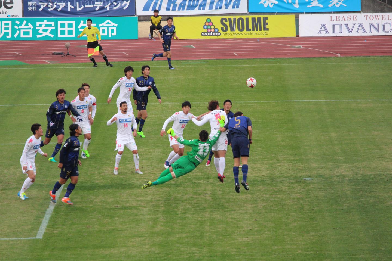 J2 第1節 町田 VS 千葉 佐藤優也選手の危うい飛び出しの写真
