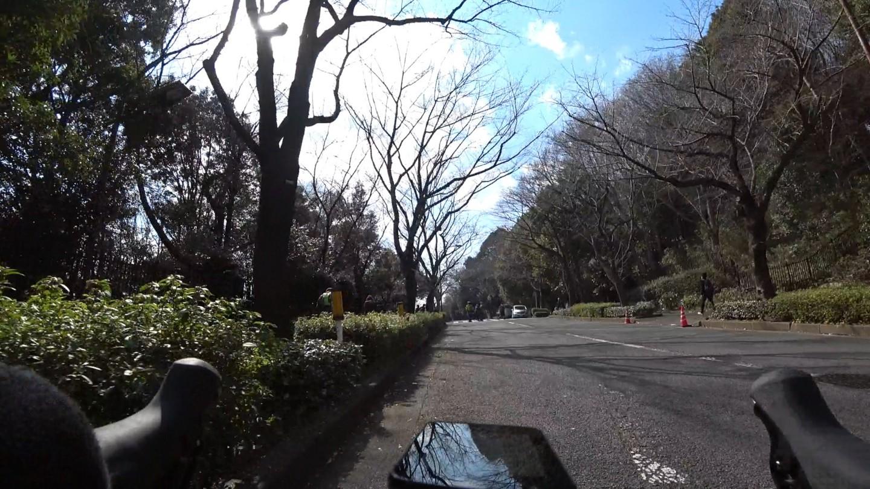 町田陸上競技場までの坂道