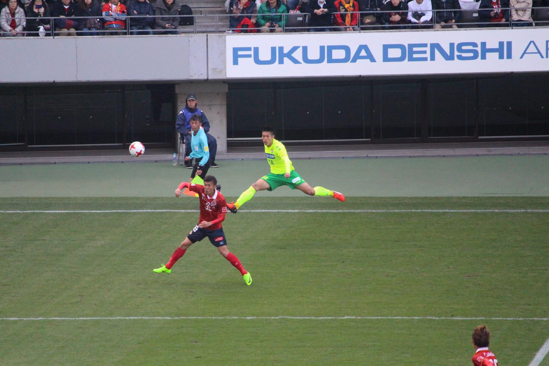 J2 第3節 千葉 VS 名古屋 イ・ジュヨン選手のクロスの写真