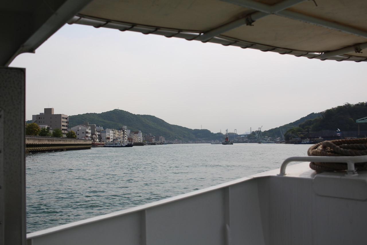 しまなみ海道 向島行渡船の船上からの写真