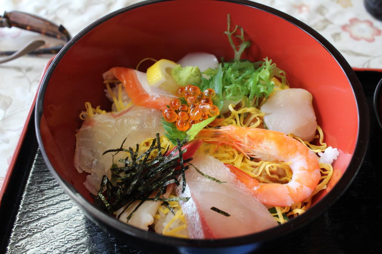 しまなみ海道 大三島で食べた海鮮丼の写真
