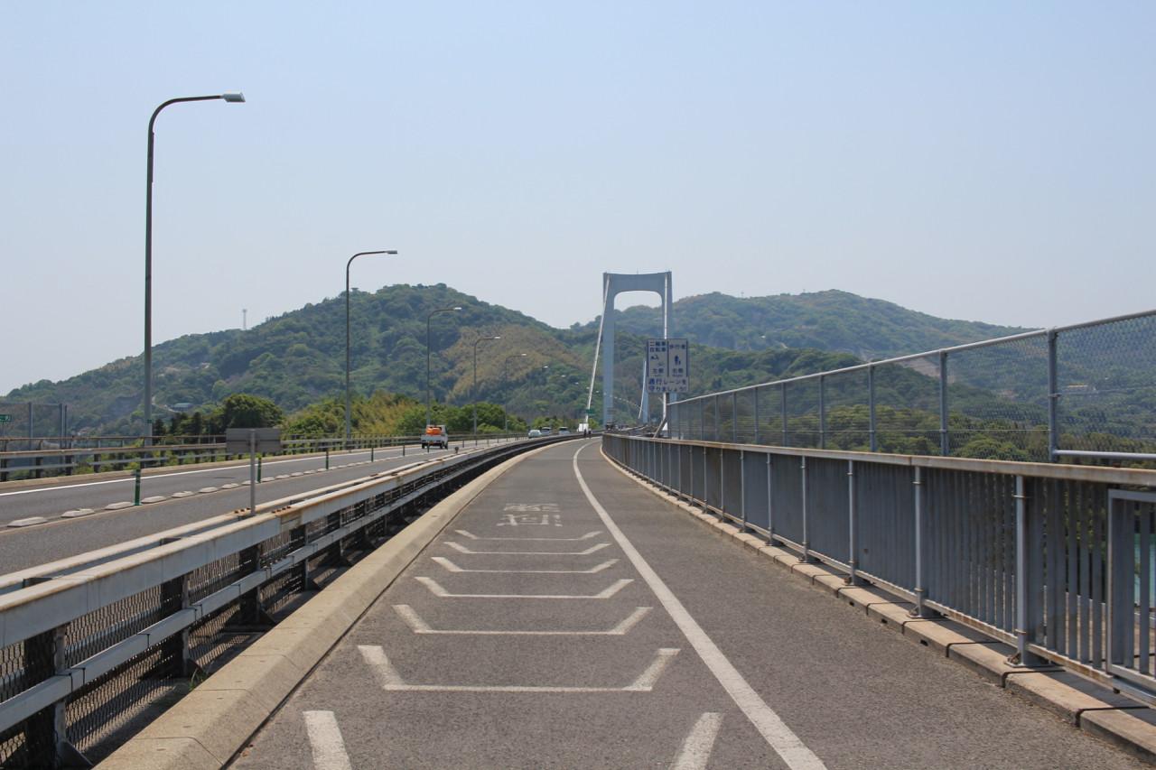 しまなみ海道 伯方島から大島へかかる橋の写真