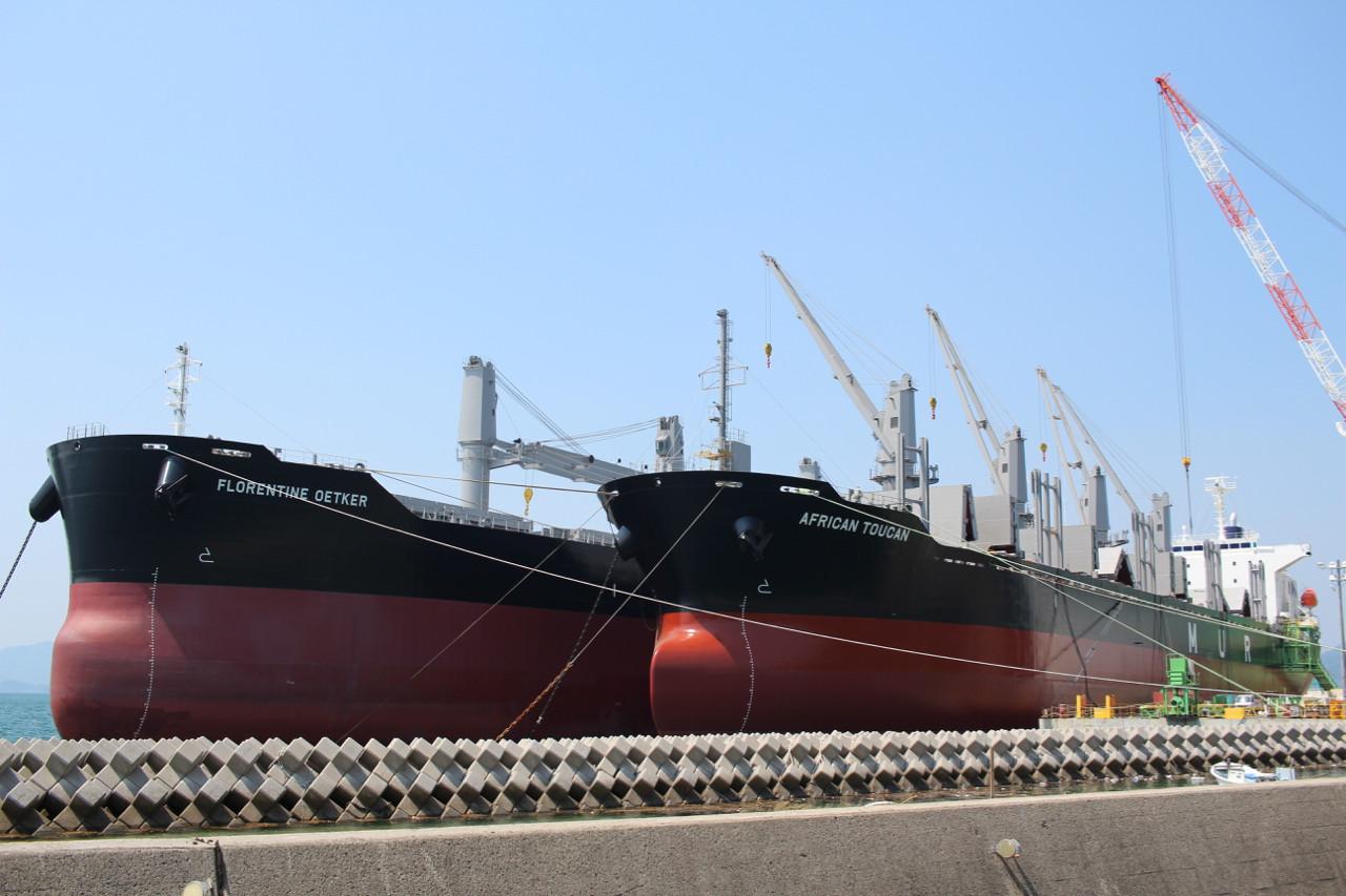 しまなみ海道 大島の造船所の写真