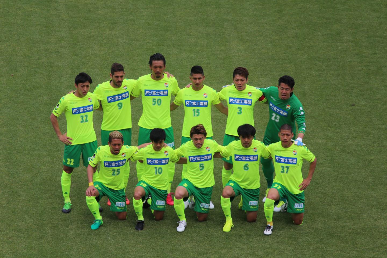 J2 第11節 讃岐 VS 千葉 試合前の記念撮影の写真