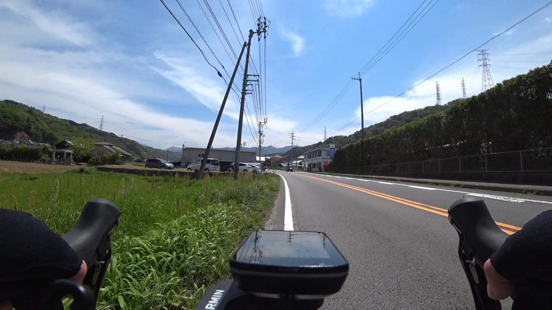 国道11号 小松街道の田舎道の写真