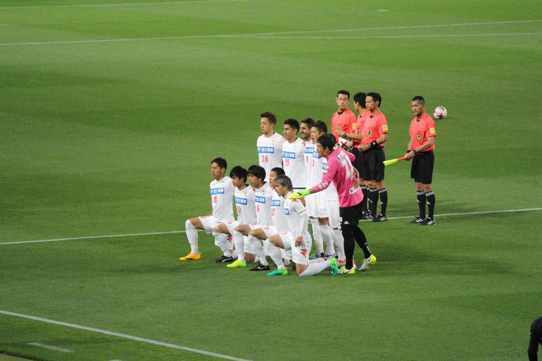 J2 第14節 東京V VS 千葉 試合前の記念撮影の写真