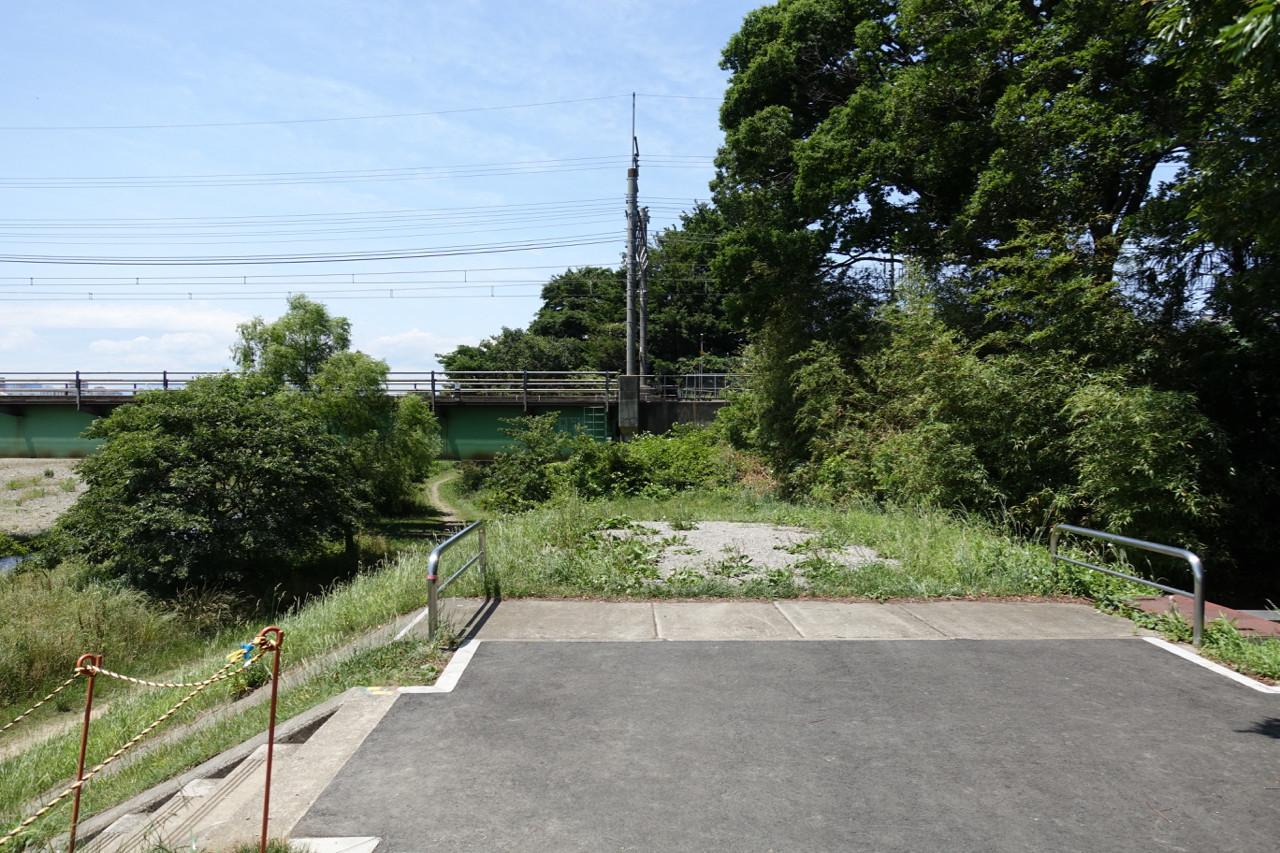 浅川サイクリングロードの行き止まりの写真