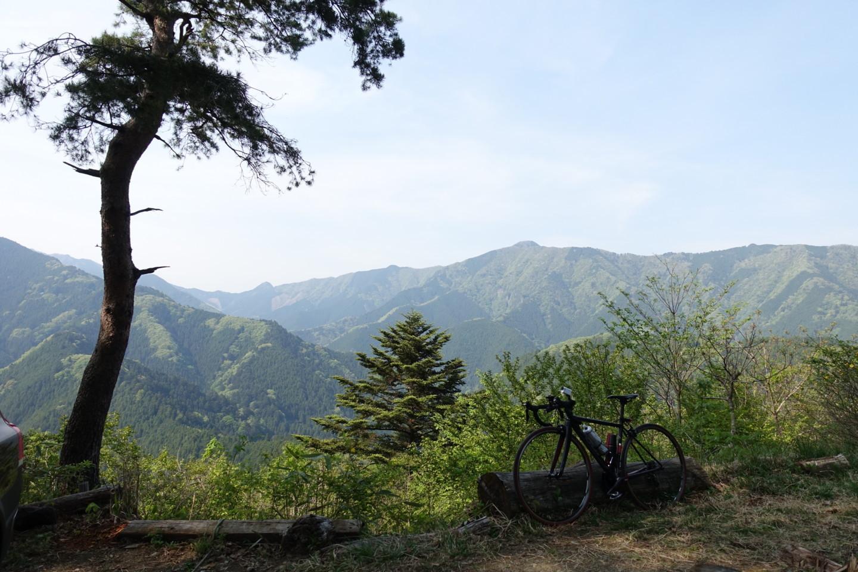 時坂峠にてFUJI Roubaix 1.3の写真