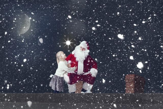 サンタさんと少女の画像