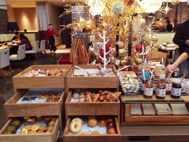 東京マリオットホテルの朝食のパン